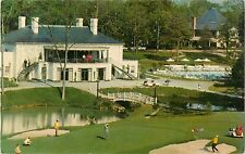 1971 The Golden Horseshoe Clubhouse Golf Course, Williamsburg, Virginia Postcard