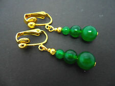 A PAIR OF PRETTY GREEN JADE GOLD PLATED DANGLY CLIP ON  EARRINGS. NEW.