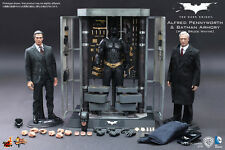 HOT TOYS 1/6 THE DARK KNIGHT MMS236 BATMAN ARMORY WITH BRUCE WAYNE & ALFRED SET