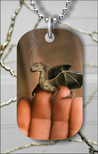 DRAGON ON FINGERS FANTASY SMALL WOR DOG TAG NECKLACE PENDANT FREE CHAIN -lkp9Z
