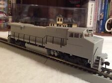 New Atlas Dash 8-40BW Undecorated standard Cab DCC Decoder Equipped HO 9050