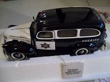 1946 CHEVROLET SHERIFF'S SUBURBAN FRANKLIN MINT 1:24 SCALE NICE POLICE VEHICLE!
