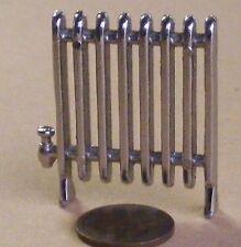 Escala 1:12 Casa De Muñecas En Miniatura De Plata Metal no radiador de trabajo 4cm X 4.3cm