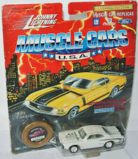 Muscle Cars USA - 1970 DODGE SUPER BEE - white - 1:64 Johnny Lightning