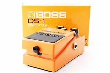 BOSS DS-1 Distortion Guitar Effects Pedal w/Box w/Tracking number From Japan