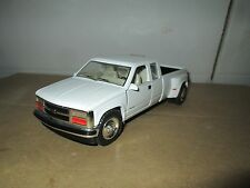 chevy 3500 extended Cab 1996 1/24th Scale DUALLY PICKUP TRUCK LTD