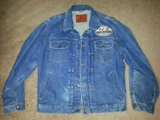 WRANGLER PLEATED DENIM JEAN JACKET JAPAN REPRO SIDE BUCKLE SIZE LARGE VERY NICE