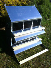 FAMOUS 6-HOLE ROLL-AWAY CHICKEN/HEN NEST BOX (CLEAN WHOLE EGGS/UP TO 30 HENS)