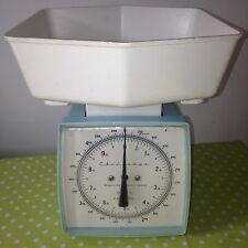 CHALLENGE Kitchen Weighing Scales - Turquoise Light Green - Vintage Retro