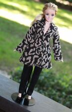 Clothes for Curvy Barbie Doll. Leopard print jacket and leggings for Dolls.