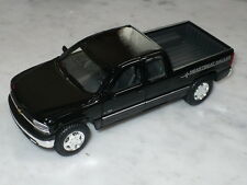 MAISTO 98 CHEVY SILVERADO 1500 PICK UP TRUCK 1:27 GLOSS BLACK HEARTBEAT HAULER