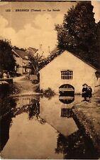 CPA   Brosses (Yonne) - Le lavoir     (357535)