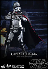 Hot Toys Captain Phasma Star Wars Force Awakens 1/6 Scale