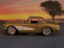 1961 61 CHEVY CORVETTE COLLECTIBLE 1/64 SCALE DIECAST MODEL DIORAMA OR DISPLAY