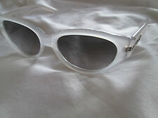 GIANFRANCO FERRE Bianca Frame Cat's Eye occhiali da sole. GFF 592.