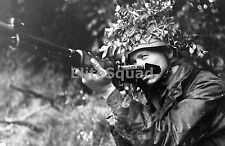 WW2 Photo German paratrooper with an FG 42 France - summer 1944 #620