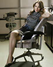 ERICA DURANCE 8X10 PHOTO PICTURE PIC HOT SEXY SMILE GREAT LEGS SHORT SKIRT 28
