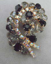 JULIANA VINTAGE RHINESTONE PRETTY BROOCH