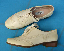 """HAMBLE OAK""Clark's Women/Ladies PALE YELLOW LEATHER Shoes size 5 D"