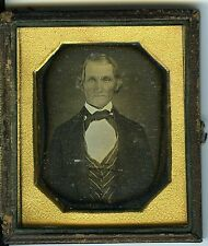 DAGUERREOTYPE circa 1860 / Union case / un homme pose / photo vintage