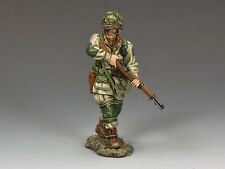 KING AND COUNTRY WW2 Cautiously Advancing 82nd Para D Day DD216