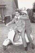 Print Postcard Vespa Scooter Advertising Alberto Sordi e Aldo Fabrizi Piaggio