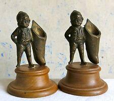 PETIT POUCET, 2 personnages en bronze, petit meunier, corne d'abondance .