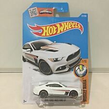 Hot Wheels 1/10 Muscle Mania 2015 Ford Mustang GT White