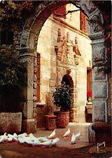 BR14013 Les colombes blanches de Saint Paul  france