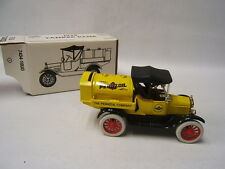 Ertl 1918 Ford Model T Runabout Pennzoil Company Tanker Bank 1/25 VGC in box