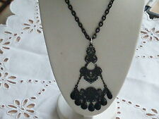 ANTIQUE VICTORIAN WHITBY JET MOURNING PENDANT NECKLACE