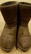 UGG Australia Classic Brown Boots Youth Kids 4