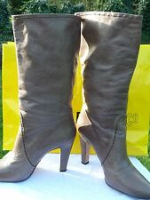 PRADA MILANO LADIES BOOTS SIZE 7/40/wider fitting/grey/botas/bottes/RRP£665