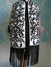 Alexander McQueen white wool jacquard scarf with black velvet pattern - NEW