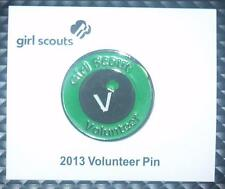 2013 Girl Scout VOLUNTEER Service Pin New on Card