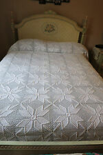 ALL AMERICAN Tulip Windmill Hand Crocheted Cream QUEEN or FULL Bedspread Cover