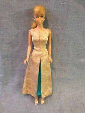 Barbie poupée mannequin : Swirl Platinium Lèvres blanches