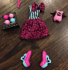 Monster High Doll Clothing, Shoes & Accessories For Scarnival Draculaura