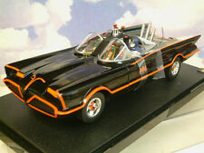 Matell HOT WHEELS 1/18 Classic 1966 TV Batimóvil Con Figuras De Batman Y Robin