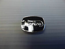 "Badge PIN MOTO ""NORTON"" Noir Moto revers badge-bg76d"