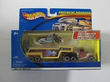 2001 Hot Wheels Pavement Pounder American Muscle Bikes new in package