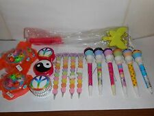 LOT- 6 CUPCAKE PENS, 2 BUTTERFLY STICKS, 4 I LUV U PENS, 3 YOYOS, 3 FISH TOYS