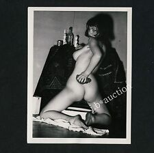 PRETTY NUDE WOMAN WASHING HERSELF NACKTE FRAU WÄSCHT SICH * 60s Risque Photo #7