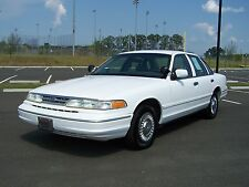 Ford: Crown Victoria 1-OWNER 38K 1 OF THE BEST ORG CRUISERS ON MARKET