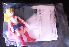 SUPERGIRL   ARTICULE   PERSONNAGE  SUPER HERO  COMICS  QUICK  2015     ( neuf )