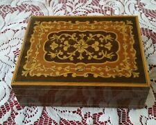 Vintage LADOR WOOD Music box CARILLON SVIZZERO ISOLA DI CAPRI 1571