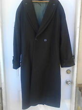 Men's Green American Male Long Winter Over Coat Size med.