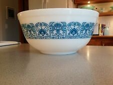VINTAGE PYREX MIXING BOWL 403 - BLUE HORIZON - White
