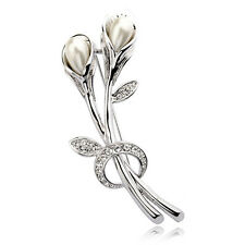 18K WHITE GOLD PLATED AND GENUINE SWAROVSKI CRYSTAL & PEARL FLOWER   BROOCH