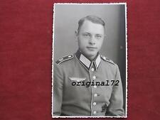 Foto Soldat in Uniform mit Waffenrock mit Orden I.R.74  2.WK